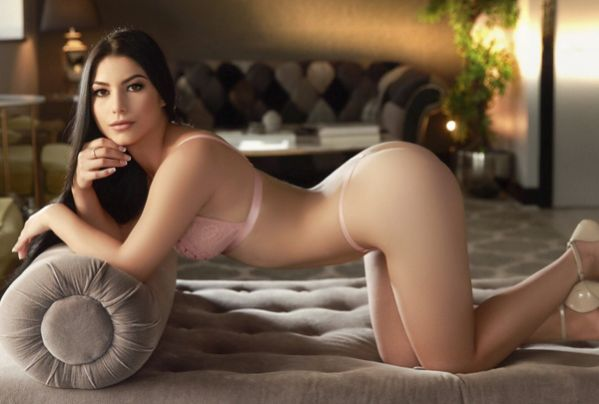 Young Escort Girl Alice In Marble Arch