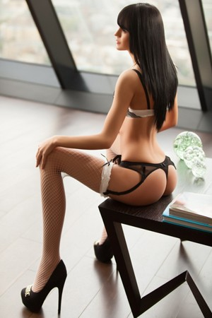 Deep Throat Specialist escort Amely in South Kensington London