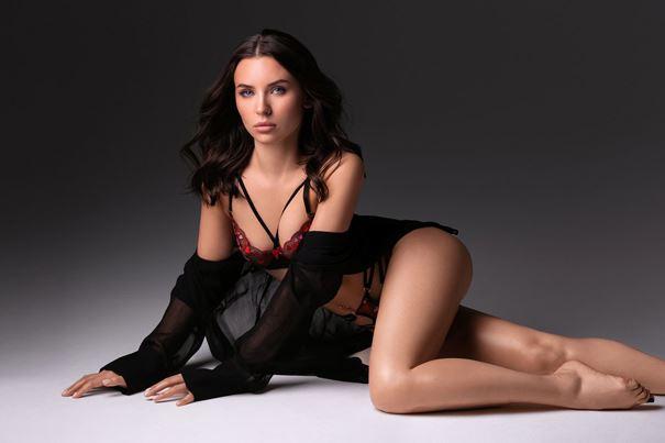 Seductive Russian female companion