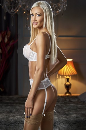 Blonde Teen Escort Girl Bayswater