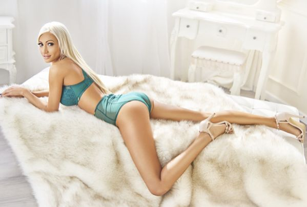 Young Blonde Escort London Bayswater