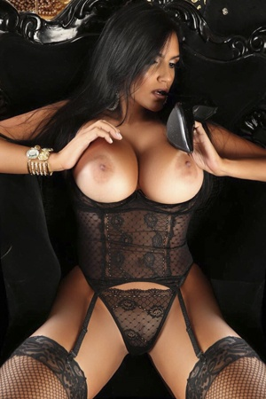 Sexy Brazilian Escort Lady Brenda
