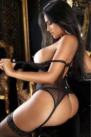 Sensual Brazilian Escort Girl Brenda