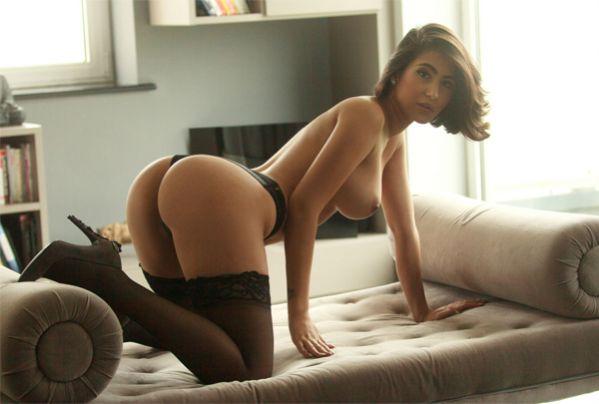 Nude Striptease London Escort Girl