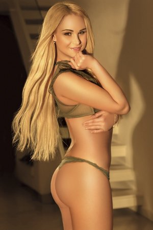 Blonde Watersports Escort Madonna London