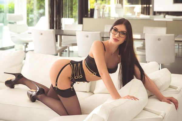 Slim London Escort Girl Marie