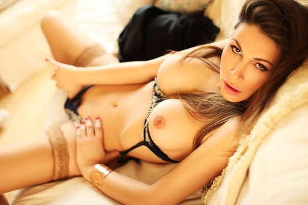 Bayswater Escort Stefany a tall sexy brunette from Italy